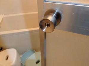 浴室扉ドアノブ交換_200415_0003